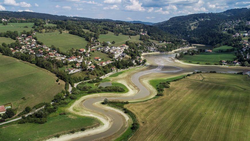 Sécheresse : Niveau De Crise Dans Le Jura
